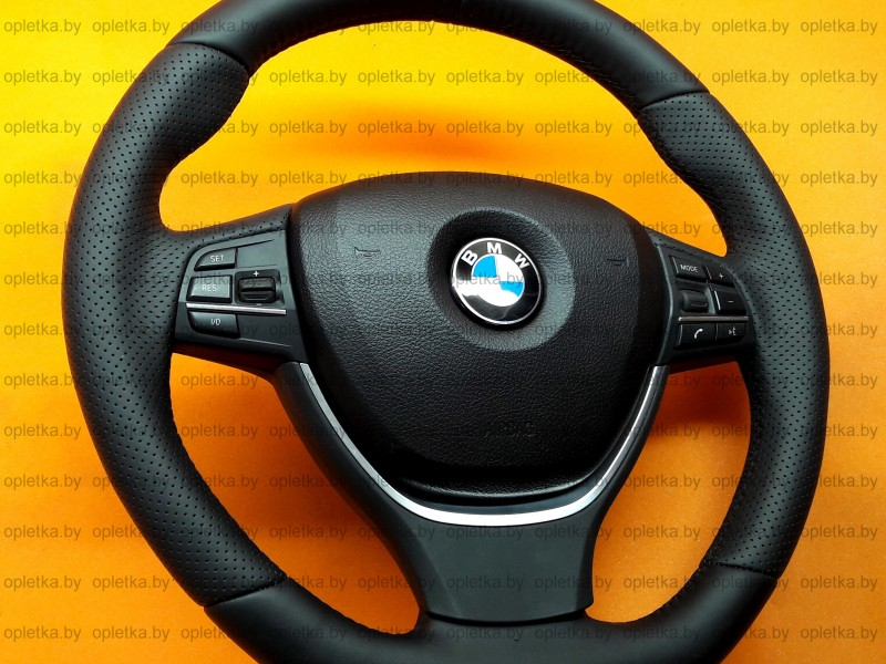 BMW_F10_M-Performance_Steering-wheel_Alcantara+Strip-black_flat_bottom-2 (2)